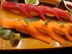 salmon and tuna nigiris...omg! Nom