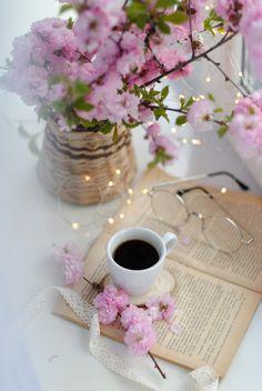 Coffee Geek, Coffee Is Life, Lockscreen Iphone Quotes, Book Flatlay, Cute Christmas Wallpaper, Tea Coaster, Plant Based Milk, Beautiful Flowers Wallpapers, Flower Landscape