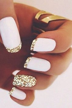 Stunning manicure & nail polish design - love the bling