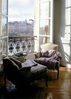 This looks very much like my hotel room in Paris. For 9 days, it was my Little Paris Apartment! Parisian Apartment, Paris Apartments, Apartment View, Apartment Design, French Apartment, Apartment Living, Interior Inspiration, Room Inspiration, Interiores Design