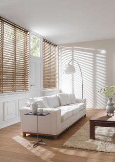 Timber Venetians - If you appreciate the look and feel of natural timber, then LUXAFLEX® COUNTRY WOODS® Venetian Blinds are the perfect choice. Blinds And Curtains Living Room, Store Venitien, House Furniture Design, Green Rooms, Cool Rooms, Living Room Inspiration, Soft Furnishings, Interior Design, Home Decor