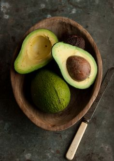 how to make a  rustic green guacamole | Drizzle and Dip