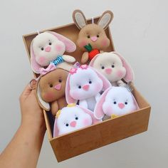 1 million+ Stunning Free Images to Use Anywhere Felt Doll Patterns, Felt Crafts Patterns, Baby Sewing Projects, Sewing For Kids, Sock Dolls, Rag Dolls, Diy Ostern, Sewing Toys, Felt Toys