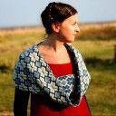 Betty Mouat Video Tutorials: Instrucciones para tejer guardas de colores y algunas cosas más.
