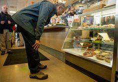 """¡Chequea cuánto gastó Obama en """"cinnamon rolls"""" y otros dulces!: http://www.sal.pr/?p=107263"""