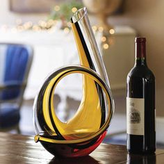Purchase our Riedel Horn Decanter Yellow & Black crystal decanter. Only at IWA Wine Accessories! Best Wine Decanter, Wine Drinks, Alcoholic Drinks, Best Red Wine, Wine Table, Expensive Wine, Wine Bottle Holders, Gifts For Wine Lovers, Bottle Stoppers