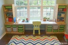 desk area - IKEA LINNMON table top on top of two IKEA TROFAST storage units A child psychologist's tips on how to create a playroom that will grow with your child! Three playroom ideas for areas to include and great toy storage. Ikea Trofast Storage, Trofast Hack, Ikea Expedit, Ikea Ikea, Ikea Linnmon, Creative Toy Storage, Lego Room, Lego Desk, Lego Table Ikea