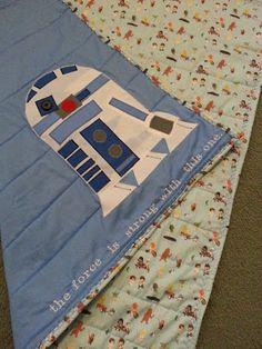 Star Wars Baby Quilt.  Well, why not? Star Wars Crafts, Geek Crafts, Fabric Crafts, Sewing Crafts, Sewing Projects, Star Wars Quilt, Star Wars Nursery, Star Wars Baby, Baby Quilts