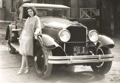 Stearns-Knight Model H Roadster, Lillian Roth Old Pictures, Old Photos, Vintage Photos, Jazz, Knight Models, Bucharest Romania, Hooray For Hollywood, Aesthetic Girl, Vintage Beauty