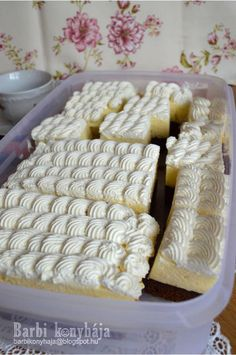 Barbi konyhája: Amerikai krémes ♥ Hungarian Recipes, Dairy, Cooking Recipes, Cheese, Food, Recipes, Cake, Meal, Food Recipes