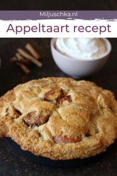 Met dit makkelijke appeltaart recept bak je een overheerlijke hollandse appeltaart. Succes verzekerd! Ik eet deze appeltaart het liefst een beetje warm. Want er is niets zo lekker als een warme appeltaart. Een lekkere toef slagroom erop en het is helemaal af. Genieten maar! #miljuschka #appeltaart #taart Cake Cookies, Apple Pie, Oreo, Body Wraps, Foodies, Desserts, Pastries, Apple Cobbler, Tailgate Desserts