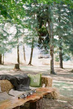 Rustic/Country wedding idea ~ sitting area