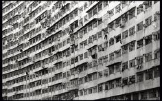 https://flic.kr/p/wd9nSo | If you don't have claustrophobia, Hong Kong is an all-in-one city. | Location: King's Rd, Quarry Bay, Hong Kong  Canon EOS-1V HS Canon EF 28-70mm f/2.8L USM Kodak T-Max 400  Kodak HC-110 (E) 7 min @ 24ºC  Development details on FilmDev