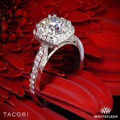 Tacori Dantela Crown Diamond Engagement Ring.
