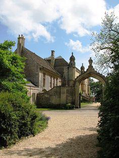 Cour d'honneur at Lacock Abbey