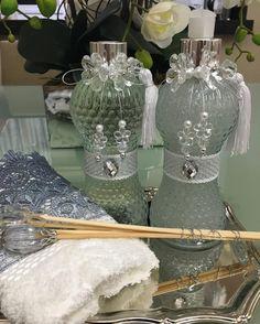More Decoration : http://www.kadinika.com Sabonete liquido Difusor ateliemeninacharmosa@gmail.com 1199998-6320 ENVIAMOS PARA TODO BRASIL @ka.nakagawa #ateliemeninachamosa #kitlavabo #saboneteliquido #artesanatos #noivas #casanova #madrinhasdecasamento #lembrançasfinas #presentear #momentosinesqueciveis #homespray #difusor #wedding #bridal #cerimonialista #lembrancinhas #maedemenina #karinanakagawa #batizado #maternidade #mimo #design #gifts #debutante #eventos#decoration #decoradores…