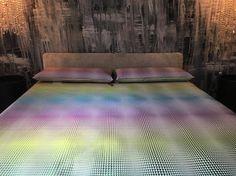 Chiyo de Saum! Soñando en colores.... // Somiant en colors.... #cobrellit #colcha #chiyo #saum #3Dfabrics #ontario #degradadodecolores #degradatdecolors #trend #home
