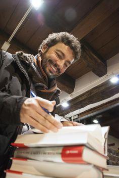 """Alcuni scatti della presentazione alla Ub!k di Como de """"Il passato è una bestia feroce"""" di Massimo Polidoro (foto di Roberta Baria)"""