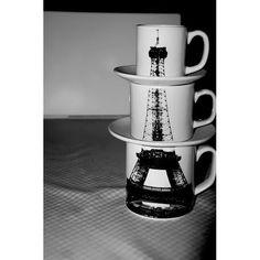 ¿Conoces algún fanático de París? Este conjunto de tazas apilables puede ser un gran regalo.