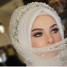 Muslim Wedding Dresses, Wedding Attire, Hijab Turban Style, Beautiful Girl Drawing, Hijab Bride, Beautiful Rose Flowers, Dress Clothes For Women, Muslim Couples, Hijab Fashion