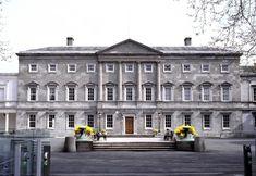 Irlannin parlamenttiin tilattiin liian isokokoinen tulostin – sotku maksanut yli 250000 euroa   Yle Uutiset   yle.fi Penne, Bbc, Euro, Printer, Louvre, Street View, Mansions, House Styles, Building