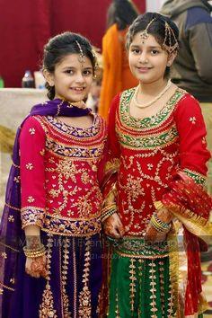 Baby Girl Wedding Dress, Baby Girl Dress Design, Wedding Dresses For Girls, Dresses Kids Girl, Kids Outfits, Children Dress, Bridal Dresses 2017 Pakistani, Simple Pakistani Dresses, Pakistani Dress Design