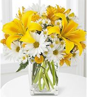 """Look no further than Asheville Floral for birthday ideas and birthday gifts! Liven up any birthday party with a festive bouquet of birthday flowers or surprise them with a cheerful """"Happy Birthday"""" bouquet! Or give them a long lasting plant or romantic roses. Everyone loves flowers for birthdays!  Birthday Flower #birthdayflowers"""