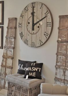 DIY clock from wooden spool. I have two of these gonna make one for above my cabinets and maybe one for the patio or garden shed when we finally get that up ugh to have time! Wooden Spool Projects, Wood Spool, Diy Clock, Clock Ideas, Wood Clocks, Pallet Furniture, Home Projects, Farmhouse Decor, Rustic Decor