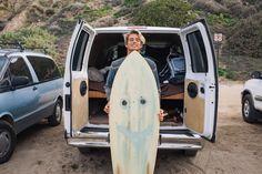 dave with surf board infront of a van. Beautiful Boys, Pretty Boys, Surf Boy, Surf Girls, Häkelanleitung Baby, Jandy Nelson, Surfer Dude, Raining Men, Surfs Up