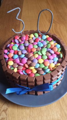 Kinderschokoladentorte Birthday Cake, Desserts, Food, Kinder Chocolate, Pies, Backen, Tailgate Desserts, Birthday Cakes, Meal