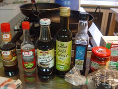 fermentált ételízesítők Sesame Oil, Beer Bottle, Toast, Drinks, Sweet, Food, Drinking, Candy, Beverages