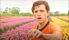 Him in Netherlands scene Spiderman Far from home Marvel Funny, Marvel Memes, Marvel Avengers, Trauma, Toms, Tom Holland Peter Parker, Tommy Boy, Man Movies, Hollywood
