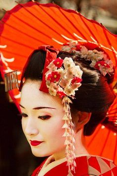 SO pretty! - #geishas #umbrella #flowers