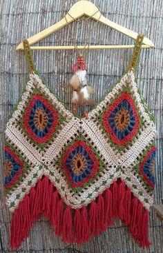 Grey white crochet top crochet fringe top granny square - Cuadraditos de crochet ...