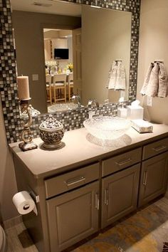"""Framed"" Mirror in Bathroom. Tomorrow's project | Trendvee"
