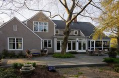 Before and After: '70s Colonial Gets Modern Update