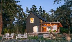 Getaway, Orcas Island. Heliotrope Architects
