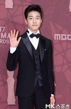 2017 MBC Drama Awards – Full Winner List | Sleepless Aliana Asian Celebrities, Asian Actors, Korean Actors, Drama Korea, Korean Drama, Beautiful Asian Girls, Beautiful People, Park Bogum, Mbc Drama