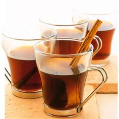 Hot christmas rum punch, anyone? Another delicious cocktail to serve at your holiday bash. Rum Punch Recipes, Vodka Recipes, Cocktail Recipes, Drink Recipes, Bonfire Night Food, Bonfire Ideas, Golden Rum, Mistletoe And Wine, Christmas Hot Chocolate
