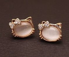 Fashion Cute Opal Cat Stud Earrings  Oh my goodness!!!! Someone please buy me these!!!!