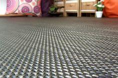 El color grafito es simplemente espectacular para una alfombra de fibra.