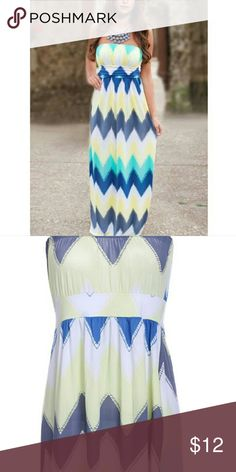 Maxi dress Floor length maxi dress! Tried it on but it's too big. Size small but it seems more like a medium! Request dementions! Dresses Maxi