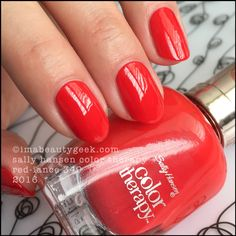 Sally Hansen - 340 Red- iance 2016