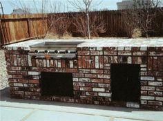 Outdoor Kitchen Construction  Building a barbeque with block, brick, wood, or a steel frame kit