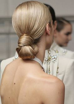 Inspirations: 20 Beautiful Bridal Hairstyles. #Wedding Celebstylewed #Hair #Styles.