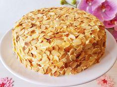 ¿Tarta Sara? ¿Eso qué es, Noelia?<br /> Si no conocéis la tarta Sara, hoy la vais a conocer y muy bien. Se trata de una tarta hecha con bizcocho genovés, crema ...