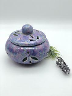KERAMIK-TEELICHTHALTER – ca. 13cm Durchmesser – Handarbeit - Lavendelparadies Lavender, Hang In There, Handmade, Handarbeit