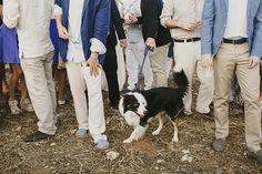 Alejandra y Mark, boda en Menorca | Así Si Quiero | mediterranean wedding lobo dog perro border collie mascota pet love outfit boys look casual chic style estilo