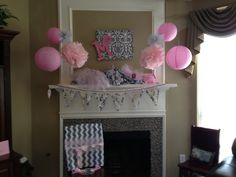 Pink/gray baby shower decor