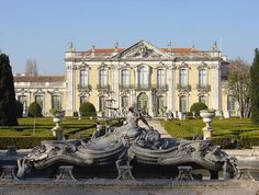 The Queluz National Palace near Lisbon, Portugal perfectly depicts Baroque architecture. Palaces, Villas, Architecture Baroque, Neoclassical Architecture, Bungalow Haus Design, Vaux Le Vicomte, Style Louis Xv, Sintra Portugal, Palace Of Versailles